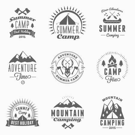 Illustration pour Set of Retro Vintage Summer Camping Badges - image libre de droit