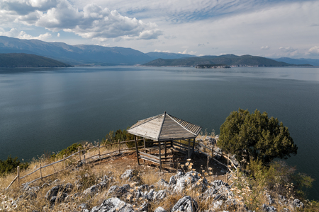 Photo pour Panoramic view from a kiosk at the Megali (Big) Prespa Lake in northern Greece - image libre de droit