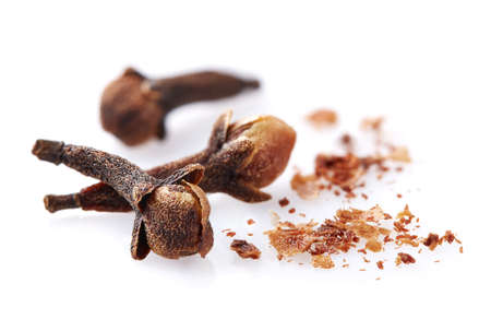 Photo pour Cloves spices in closeup isolated on a white background - image libre de droit