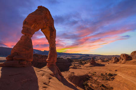 Photo pour Beautiful Sunset Image taken at Arches National Park in Utah - image libre de droit