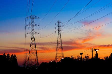 Foto de Beautiful Silhouette of Electricity Towers during Sunset. - Imagen libre de derechos