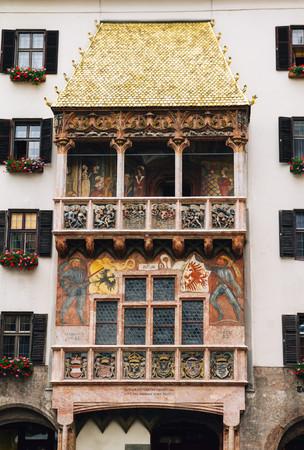 Foto de Golden roof famous landmark in Innsbruck Austria - Imagen libre de derechos