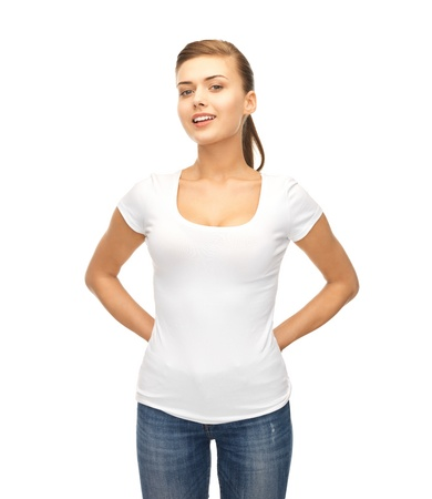 Photo pour picture of smiling woman in blank white t-shirt - image libre de droit