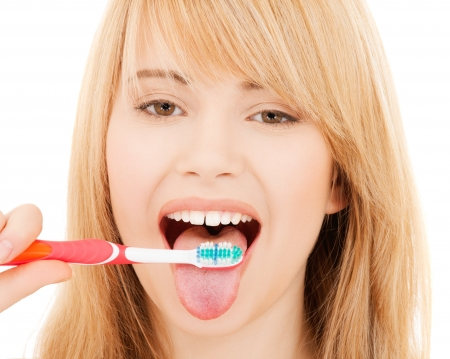 Photo pour healthcare, medical and stomatology concept - teenage girl with toothbrush - image libre de droit