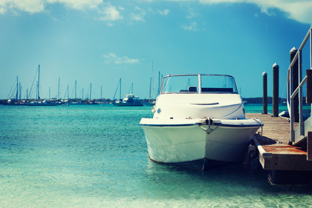 Photo pour vacation, travel and sea concept - white boat at blue sea - image libre de droit