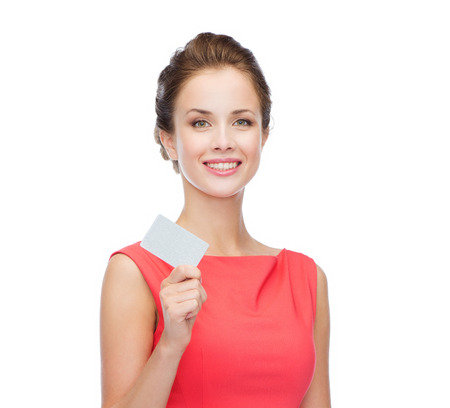 Photo pour fashion, shopping, banking and payment concept - smiling elegant woman in red dress with blank plastic card - image libre de droit