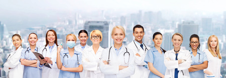 Photo pour medicine and healthcare concept - team or group of doctors and nurses - image libre de droit