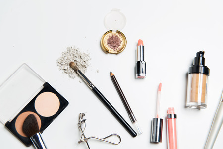 Photo pour cosmetics, makeup and beauty concept - close up of makeup stuff - image libre de droit