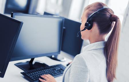 Foto de female helpline operator - Imagen libre de derechos