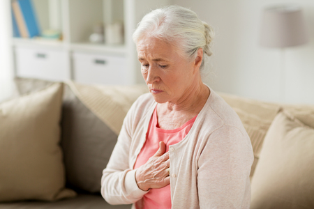 Photo pour senior woman suffering from heartache at home - image libre de droit
