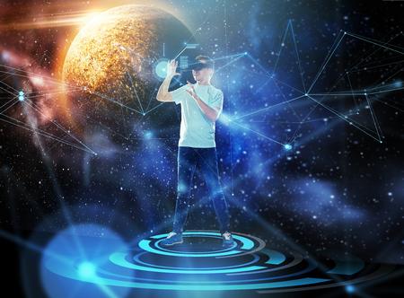 Photo pour man in virtual reality headset or 3d glasses - image libre de droit