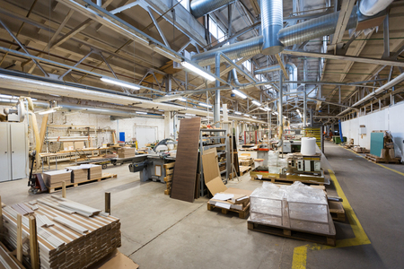 Photo pour woodworking factory workshop - image libre de droit