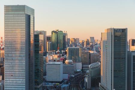 Foto de view to railway station in tokyo city, japan - Imagen libre de derechos