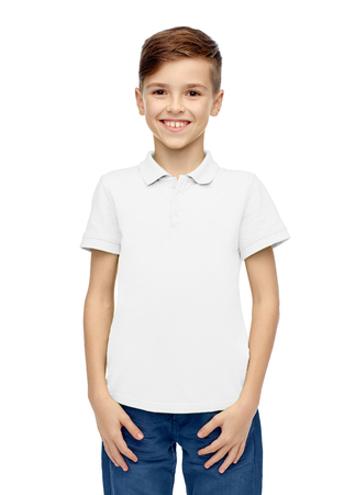 Photo pour happy boy in white blank polo t-shirt - image libre de droit