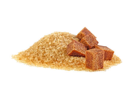 Photo pour Brown sugar cubes and crystal sugar on white background - image libre de droit