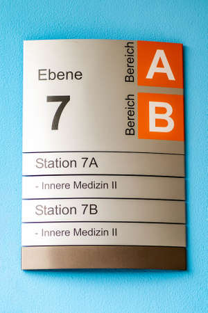 Photo pour Sign indicating different internal medicine departments at hospital - image libre de droit