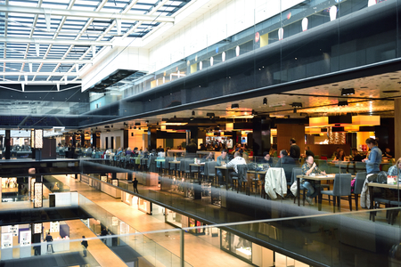 Foto de modern bright shopping mall indoor architecture - Imagen libre de derechos