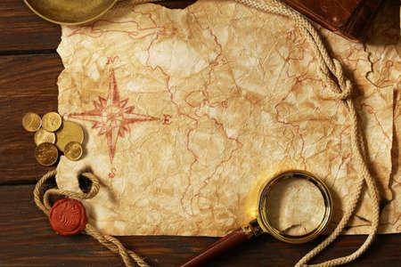 Photo pour Vintage map and accessories for the treasure hunt and travel - image libre de droit