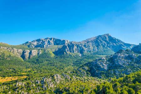 Foto de Serra Tramuntana mountain range at Mallorca, Spain - Imagen libre de derechos