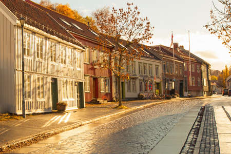 Photo pour Trondheim street in autumn, Norway  - image libre de droit