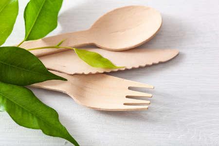 Foto de eco-friendly wooden cutlery. plastic free concept - Imagen libre de derechos