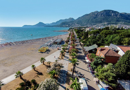 Foto de Beach in Bar town located on the Adriatic sea in Montenegro - Imagen libre de derechos