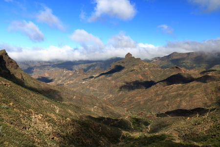 Foto de Landscape of Canary Islands, mountains and Roque Bentayga, Spain - Imagen libre de derechos