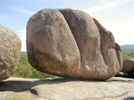 Photo pour Huge Boulder at Elephant Rocks State Park - Missouri USA - image libre de droit