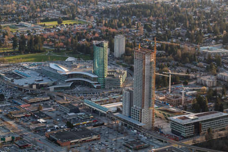 Photo pour Aerial view of Surrey Central with New Highrise Construction. Picture taken in British Columbia, Canada. - image libre de droit
