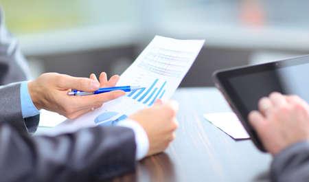 Foto de Business team analyzing market research results together - Imagen libre de derechos