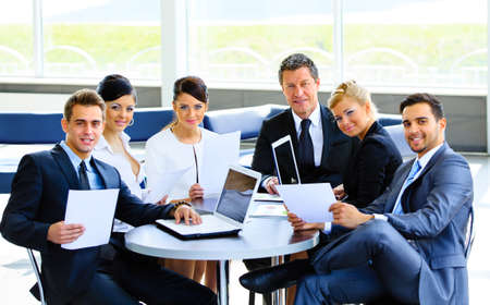 Foto de Successful business team at the office - Imagen libre de derechos