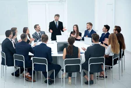 Foto de Indoor business conference for managers. - Imagen libre de derechos