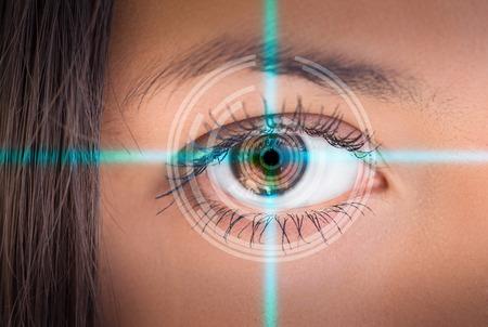 Foto de Eye viewing digital information. Conceptual image. - Imagen libre de derechos