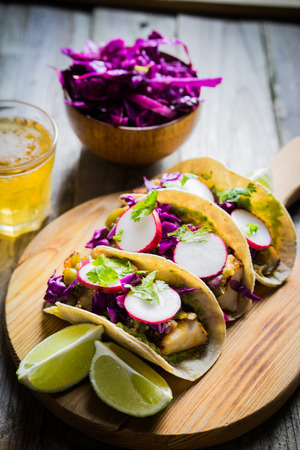 Photo pour fish tacos - image libre de droit