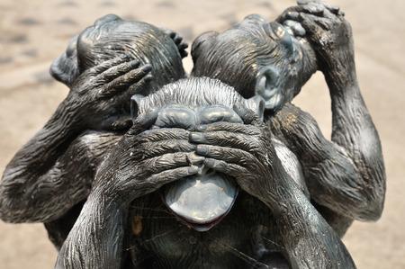 Photo pour Three wise monkeys or Three Mystic Apes sacred ancient icon - image libre de droit