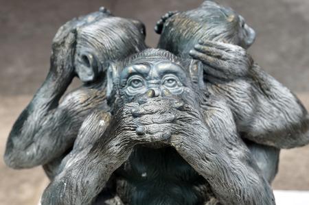 Foto de Three wise monkeys or Three Mystic Apes sacred ancient icon - Imagen libre de derechos