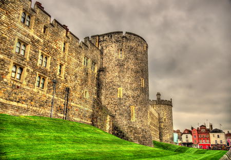 Foto de Walls of Windsor Castle near London, England - Imagen libre de derechos
