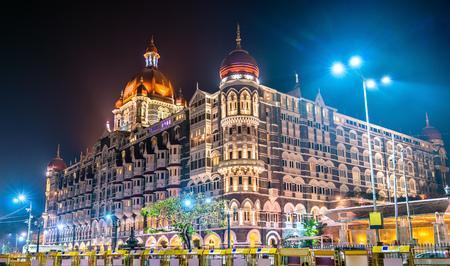 Foto per Taj Mahal Palace, a historic builging in Mumbai. Built in 1903 - Immagine Royalty Free