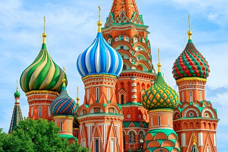 Photo pour Domes of the famous Head of St. Basil's Cathedral on Red square, Moscow, Russia - image libre de droit