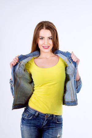 Foto de Studio portrait of a beautiful young woman. Casual style. - Imagen libre de derechos