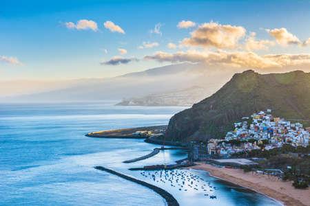 Photo pour Beautiful view on San Andres near Santa Cruz de Tenerife in the north of Tenerife, Canary Islands, Spain. - image libre de droit
