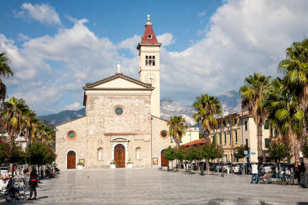 Foto de Marina di Carrara, Italy - 2017, September 26 : The Sacra Familia church in the Menconi square of the  town of Marina di Carrara in Tuscany, Italy - Imagen libre de derechos