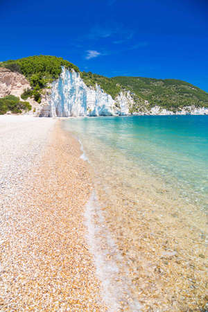 Foto de The beach of Vignanotica on the coast of Gargano National park on Apulia, Italy - Imagen libre de derechos