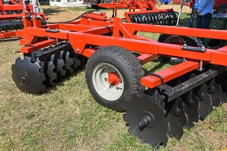 Photo pour Agricultural disc harrow machinery outdoors - image libre de droit