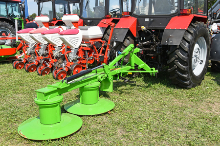 Photo pour Tractors and agricultural machineries - image libre de droit