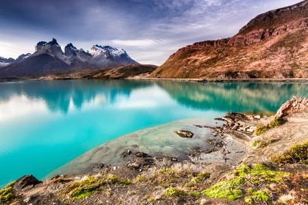 Foto de Patagonia, Chile - Torres del Paine, Laho Pehoe in the Southern Patagonian Ice Field, Magellanes Region of South America - Imagen libre de derechos