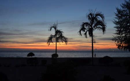 Foto de Sunset in Cambodia - Imagen libre de derechos