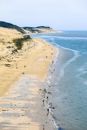 Photo pour Dune of Pilat (Grande Dune du Pilat), the tallest sand dune in Europe - image libre de droit