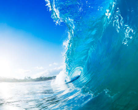 Photo pour Blue Ocean Wave - image libre de droit