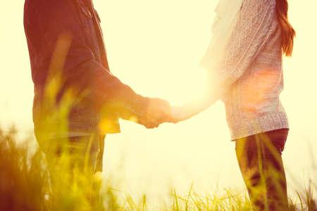 Photo pour Young Couple in Love Outdoors - image libre de droit